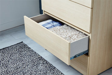 How to Replace Drawer Runners
